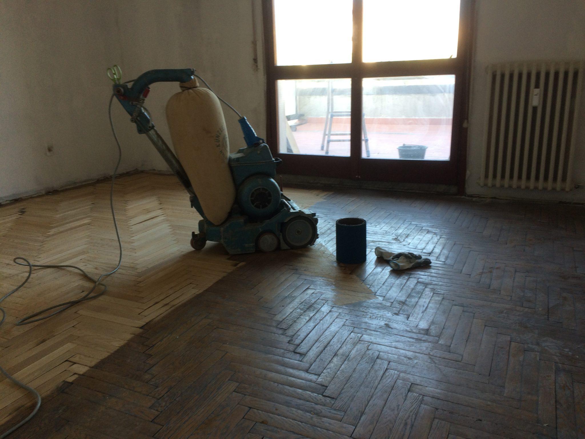Levigatura e Lucidatura pavimenti in legno Milano .