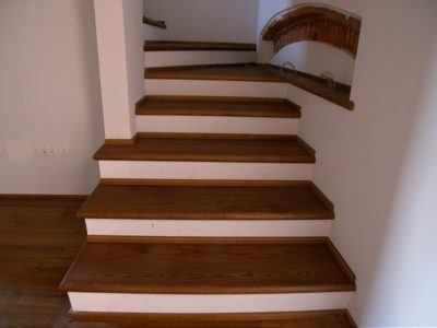 posa scala pavimento legno